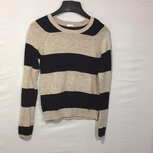Garage sweater size XS